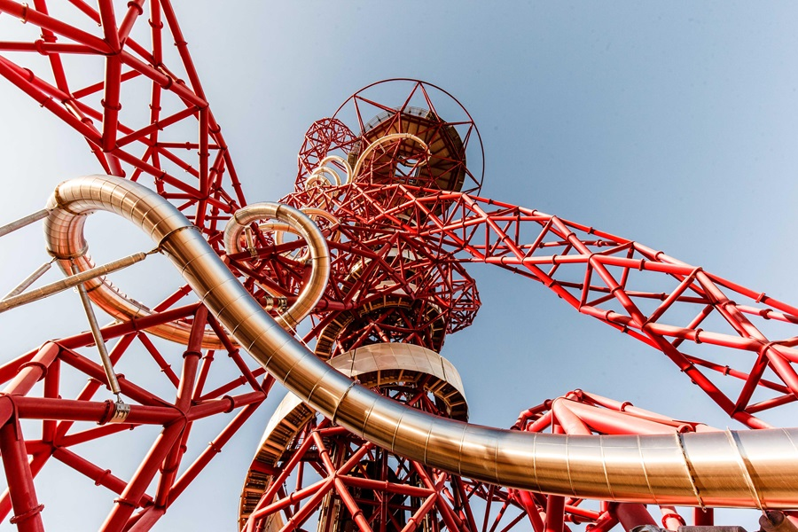 RIDE THE SLIDE AT THE ARCELORMITTAL ORBIT | Queen Elizabeth